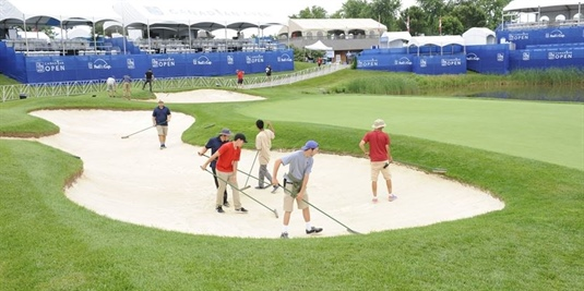 Save Glen Abbey group strikes while irons are hot